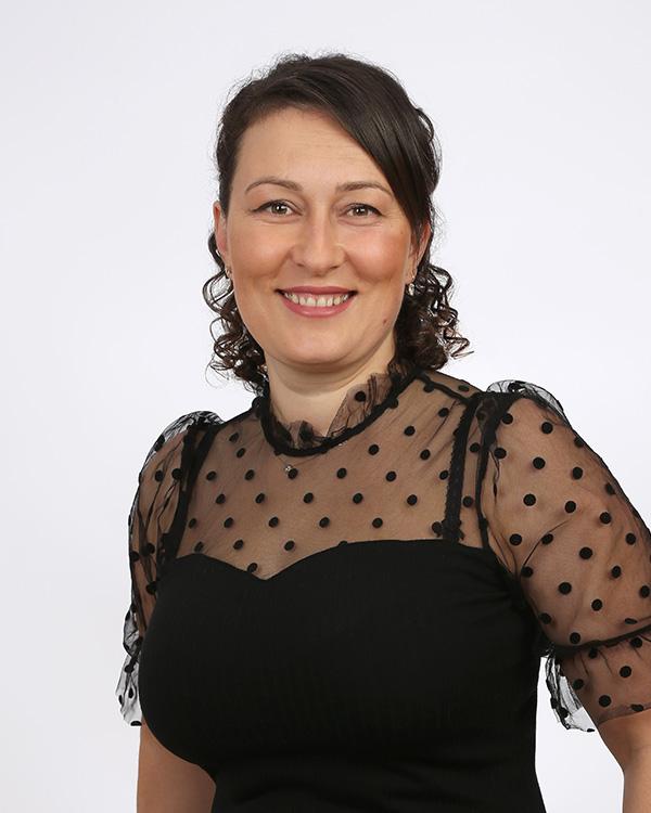 Die Haarschneider Leonora Kadrijaj